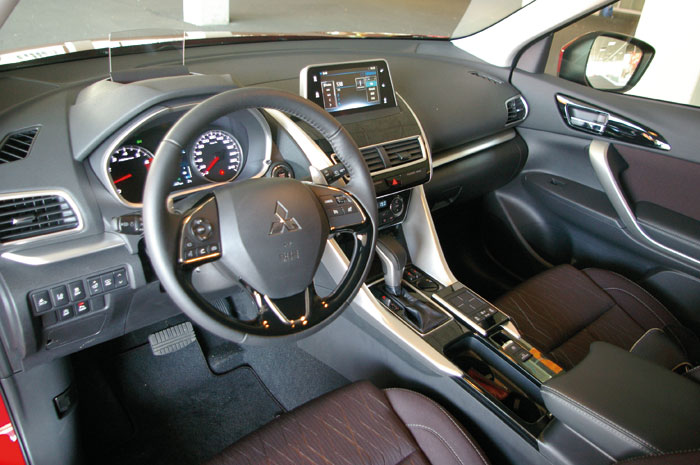 Eclipse Cross interieur 03