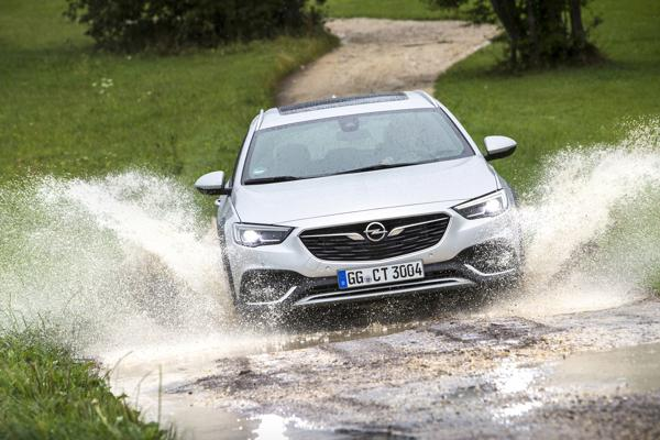 Opel Insignia Country Tourer groningen 02