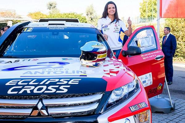 Mitsubishi Eclipse Cross aan de start in Dakar-rally